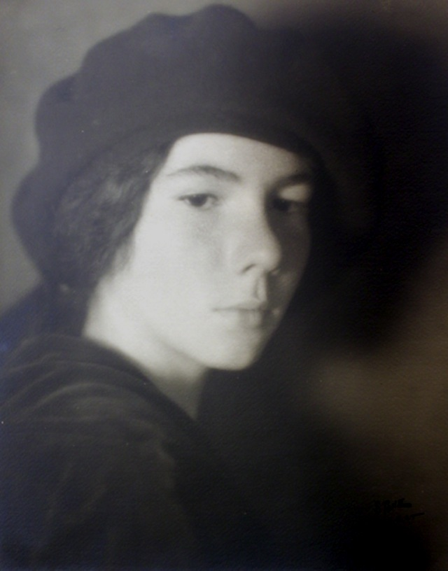 portrait-with-beret